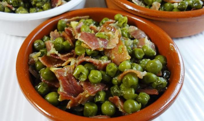 Ricetta: Piselli con prosciutto crudo (iberico oppure serrano)