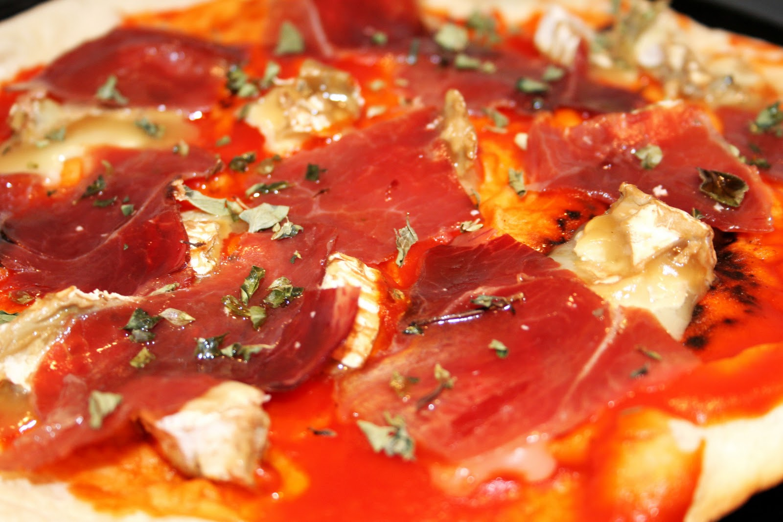 Ricetta: pizza iberica con formaggio