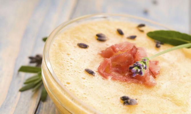 Zuppa fredda di prosciutto iberico e melone